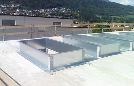 Stahlblech Aufsatzkranz während der Montage