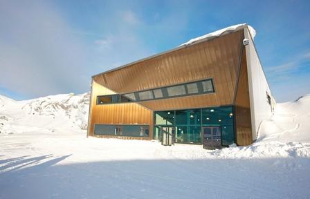 Bergstation bei eisiger Kälte